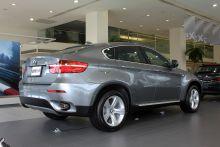 """""""BMW-X6""""的後45度-右圖片"""