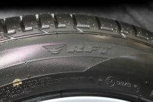 """BMW-X6""的備胎圖片"