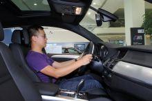 """""""BMW-X6""""的駕駛實距圖片"""