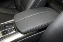"""""""BMW-X6""""的座椅扶手圖片"""