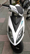 SYM 三陽的FIGHTER 4V 150cc 雙碟 頂級版 車身原廠彩貼