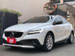 台南小林-V40 2017領牌 柴油版 一手車 原鈑件 跑五萬九 原廠保養